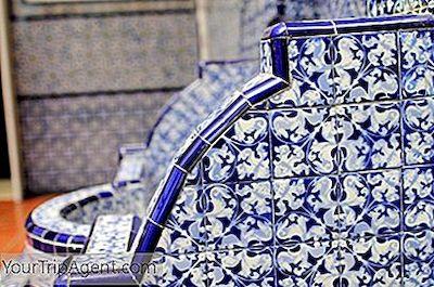 Talavera poblana pottery